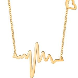 Heartbeat necklace with heart charm in gold color